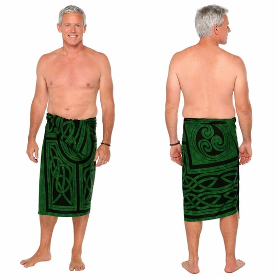 Celtic Circles Top Quality Mens Sarong in Emerald Green Fringeless