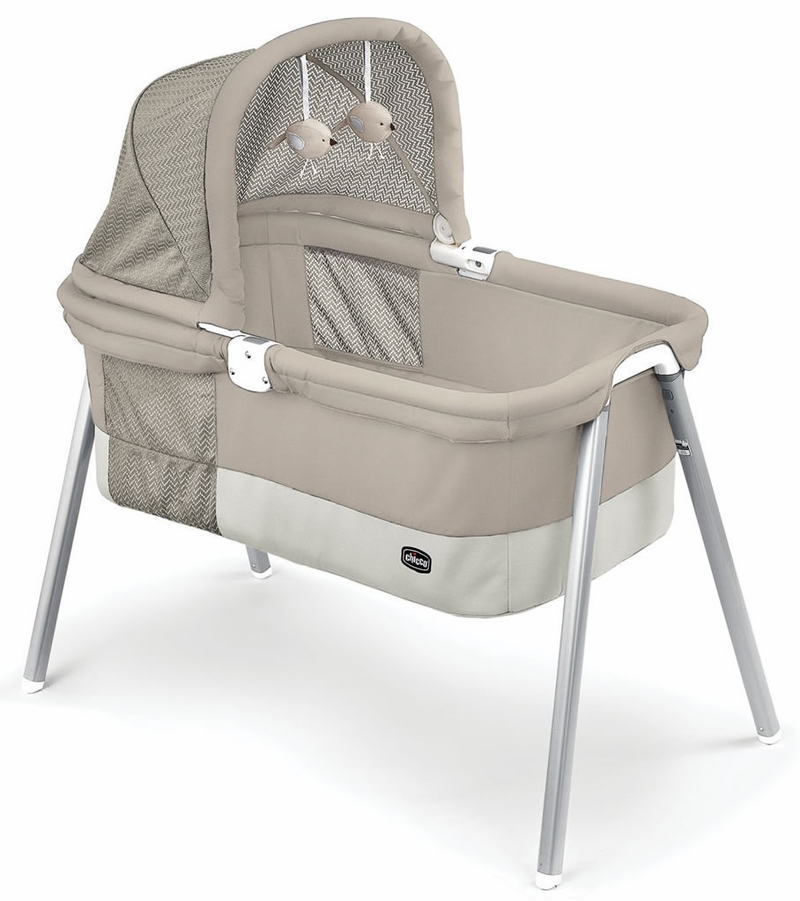 Chicco lullago deluxe portable bassinet taupe for Portable bassinet