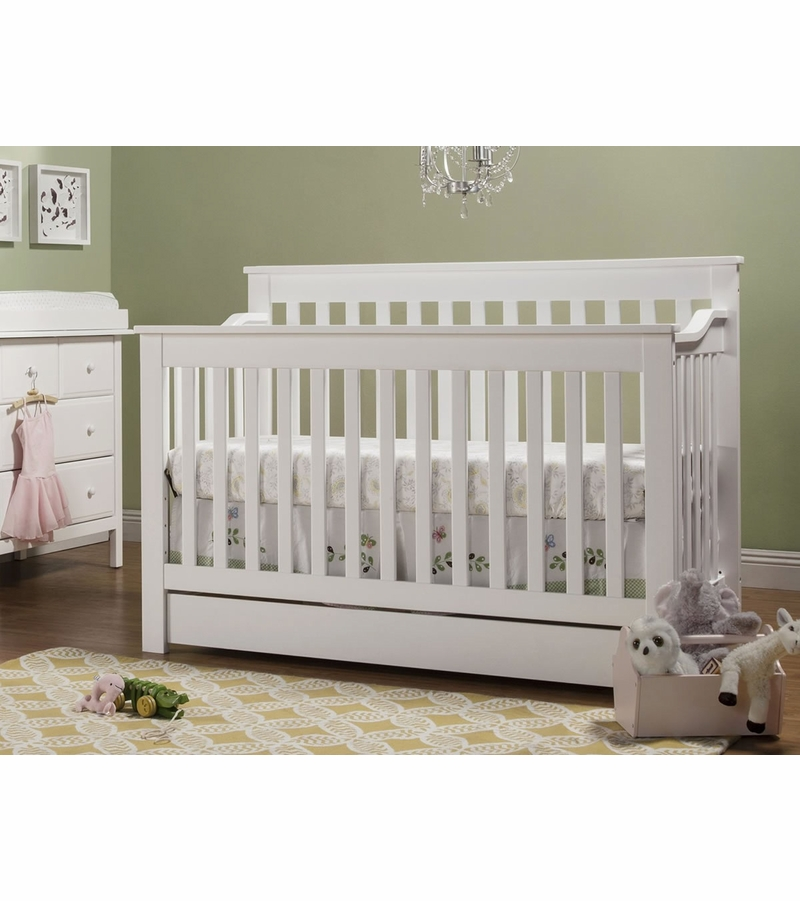 5 Cool Cribs That Convert To Full Beds: DaVinci Piedmont 4-in-1 Convertible Crib & Toddler Bed