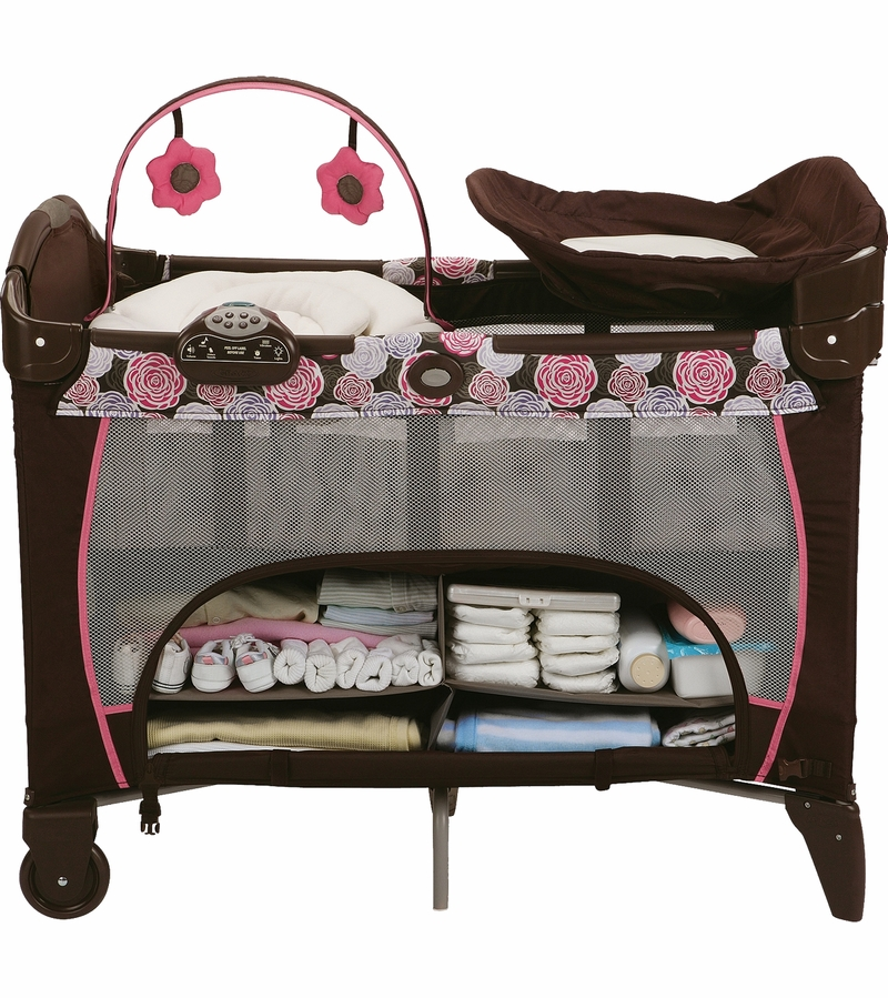 Graco Pack 'n Play Playard with Newborn Napper Station DLX ...