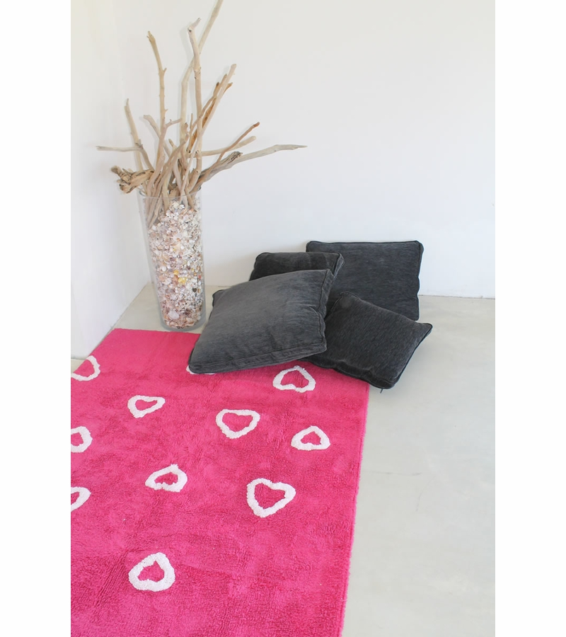 lorena canals hearts rug fucshia 4 39 x 5 39 3. Black Bedroom Furniture Sets. Home Design Ideas