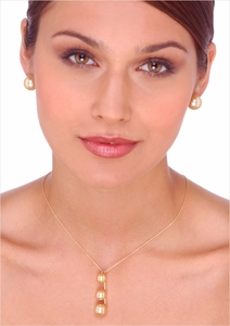 10, 11 & 12mm Three Pearl Golden Pendant Necklace