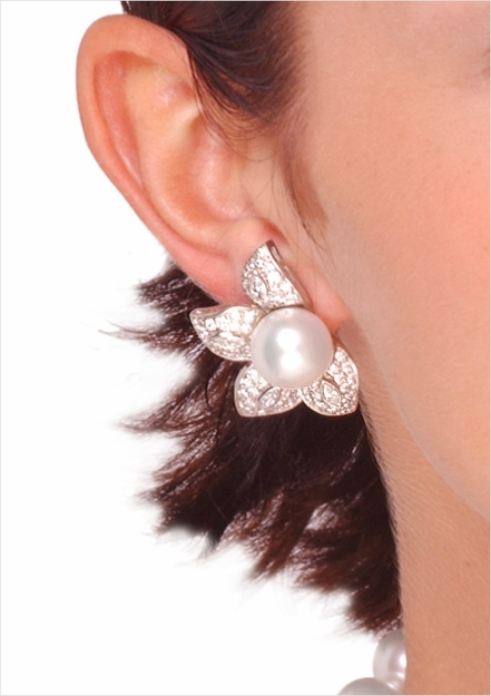 13mm White Australian South Sea Cultured Pearl Earrings