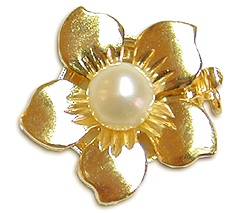 14K Yellow Gold Pearl and Flower Clasp - 6.5 x 7 millimeter