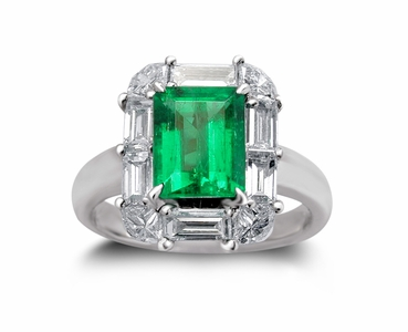 18K White Gold Emerald Ring w/1.40cttw. Diamonds