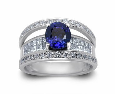18K White Gold Sapphire Ring w/1.20cttw. Diamonds