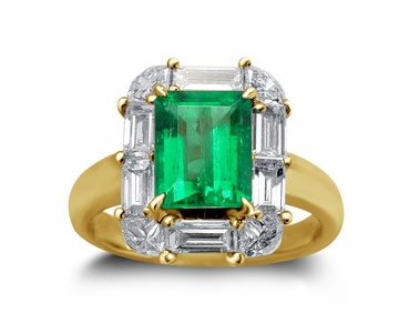 18K Yellow Gold Emerald Ring w/1.40cttw. Diamonds