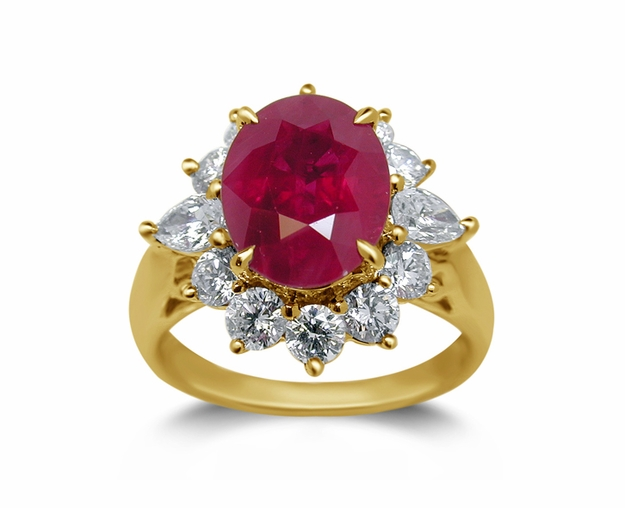 18K Yellow Gold Ruby Ring w/1.15cttw. Diamonds