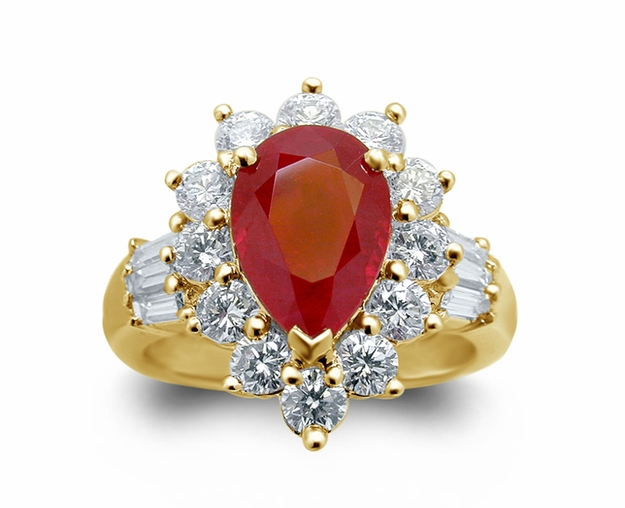 18K Yellow Gold Ruby Ring w/1.38cttw. Diamonds