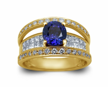 18K Yellow Gold Sapphire Ring w/1.20cttw. Diamonds