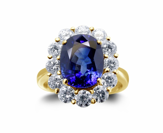 18K Yellow Gold Sapphire Ring w/1.55cttw. Diamonds