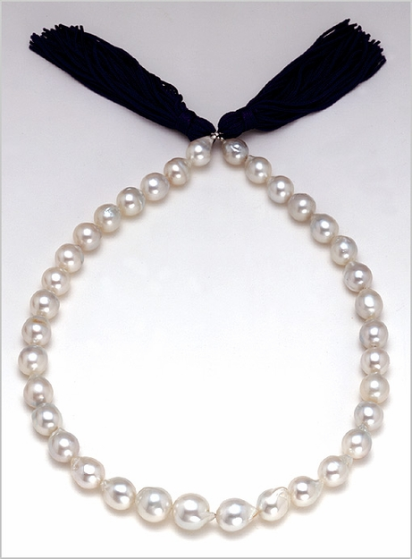9mm x 12mm White Baroque South Sea Cultred Pearl Necklace