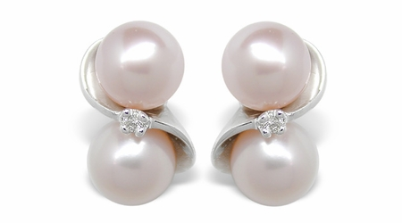 Alena a Freshwater Cultured Pearl Earring