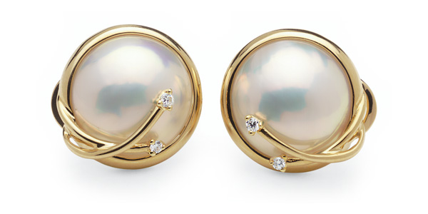 Comet a Mabe Cultured Pearl Earring