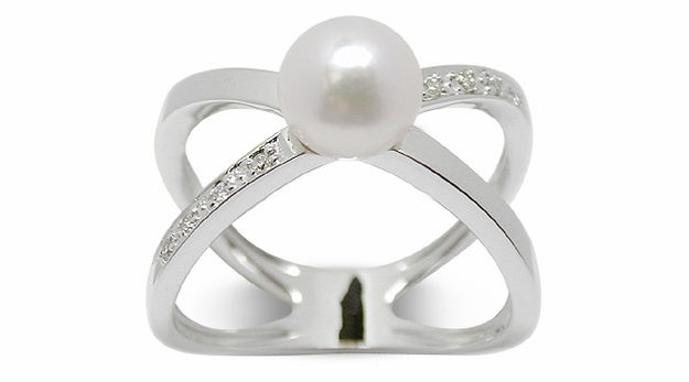 Cosmos a Japanese Akoya Cultured Pearl Ring