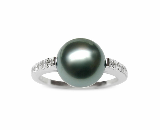 Cynthia a Black Tahitian Cultured Pearl Ring