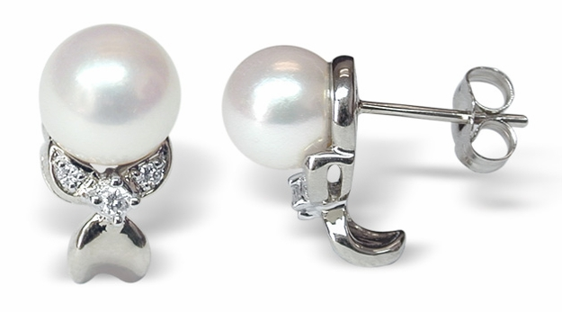 Delila a Japanese Akoya cultured Pearl Earrings