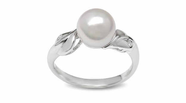 Dew Drop a Japanese Akoya cultured Pearl Ring
