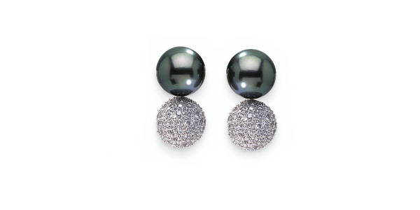 Diamond Ball a Black Tahitian South Sea Cultured Pearl Earring