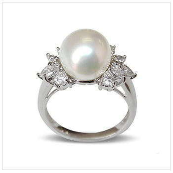 Electra a White Australian South Sea Cultured Pearl Ring