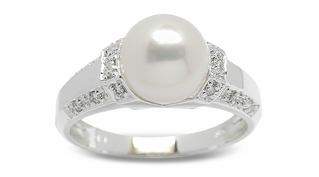 Feronia a Japanese Akoya Cultured Pearl Ring