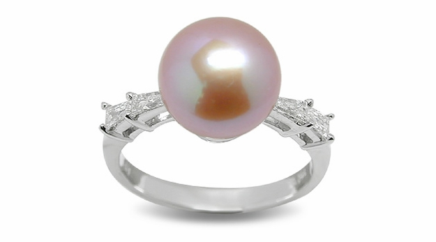 Formosa a Freshwater Pearl Ring