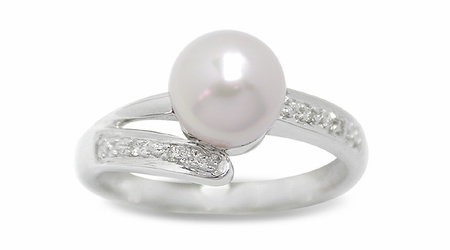 Mengi a Japanese Akoya Cultured Pearl Ring