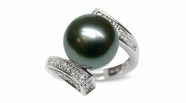 Muse a Black Tahitian Cultured Pearl Ring
