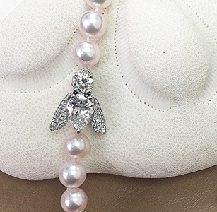 Pearl Necklace with Bee Clasp