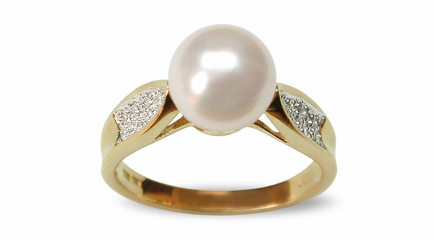 Riva a Japanese Akoya Cultured Pearl Ring