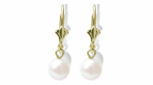 White Dangle a Round Freshwater Cultured Pearl Earring