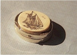 SmallSterling SilverScrimshaw Box