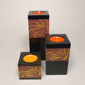Mango Wood Candle Holders with Leaf Pattern