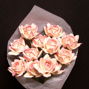 Paper Anniversary Gift Roses (soft pink)