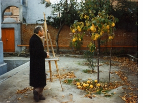 "The renowned Madrid figurative painter, Antonio López García, sets up his easel in front of a quince tree. Featured image is reproduced from <a href=""9781935202257.html"">Antonio López García: Drawings</a>."