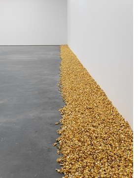 Featured image is reproduced from 'Felix Gonzalez-Torres.'