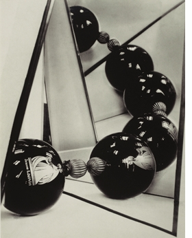Featured image is reproduced from <I>Florence Henri: Mirror of the Avant-garde 1927–40</I>.