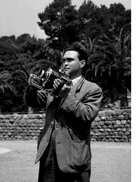 Featured image, a self-portrait in Güell Park, Barcelona, 1953, is reproduced from <I>Francesc Català-Roca: PHotoBolsillo</I>.