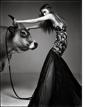 Featured image is reproduced from <I>Patrick Demarchelier</I>.
