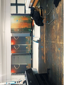 Featured image is reproduced from 'Wade Guyton: Das New Yorker Atelier.'
