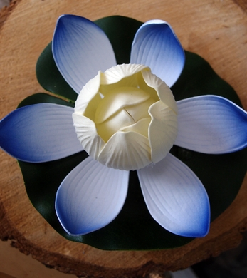 """6"""" Color-Changing Floating Water Lotus Flower w/ Light Sensitive Sensor (Blue, Battery Operated)"""
