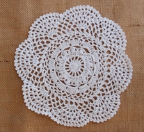 "8"" Round Crochet Lace Doilies Placemats, Handmade Cotton - White (2 PACK)"