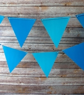 Blue Ombre Triangle Flag Pennant Banner (11FT)