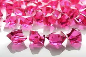 Fuchsia Gemstones Acrylic Crystal Wedding Table Scatter Confetti Vase Filler (3/4 lb Bag)