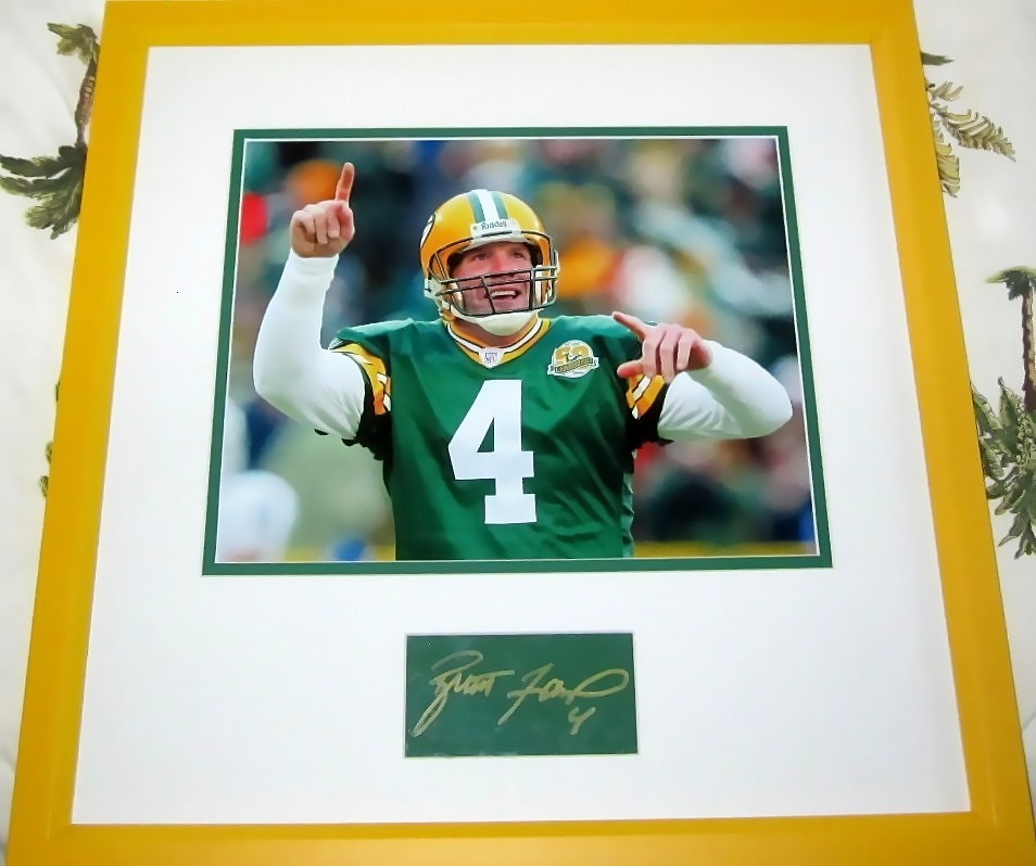 Brett Favre Autograph Matted Framed With Green Bay Packers Photo