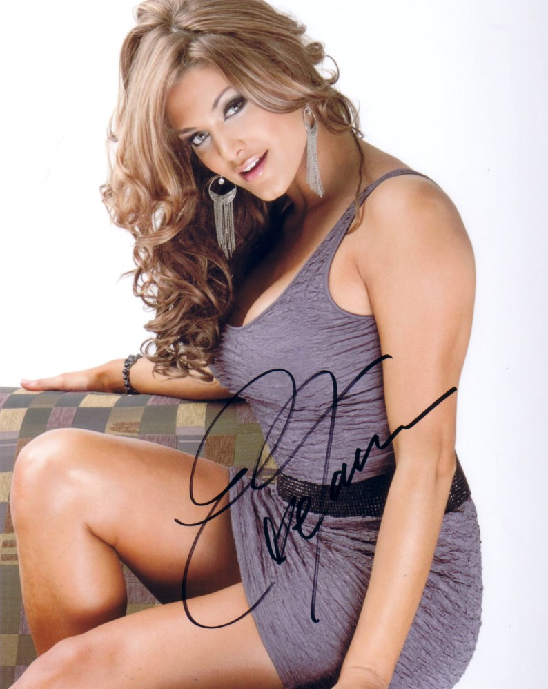 eve torres autographed sexy 8x10 photo - wrestling & mma autographs