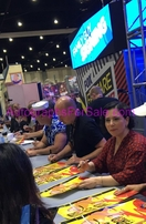 Family Guy cast autographed 2017 Comic-Con poster (Alex Borstein Mike Henry Patrick Warburton)