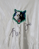 Kevin Garnett autographed Minnesota Timberwolves shooting shirt or warmup jersey (UDA)