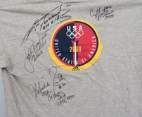 Lisa Fernandez Crystl Bustos Leah O'Brien-Amico Michele Smith (softball) autographed 2000 USA Olympic T-shirt