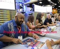 The Cleveland Show cast autographed 2011 Comic-Con poster (Mike Henry Sanaa Lathan)